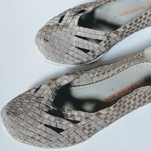 Bernie Mev. Metallic Catwalk Criss Cross Sneakers